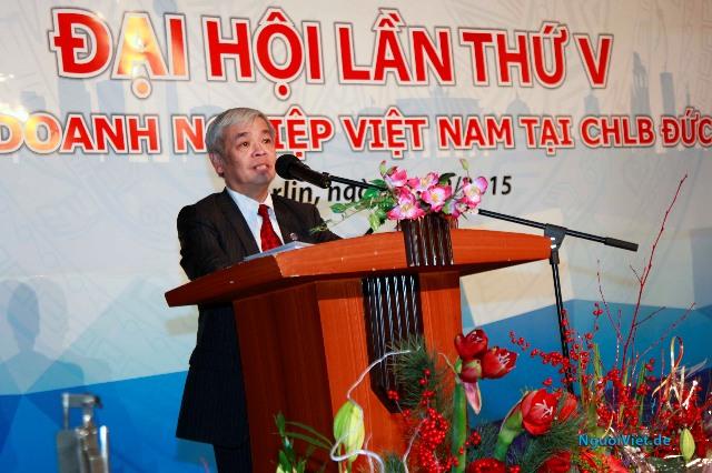 Chủ tịch Hội DNVN Phạm Ngọc Kỳ đọc báo cáo tổng kết. Ảnh: Thế Sáng