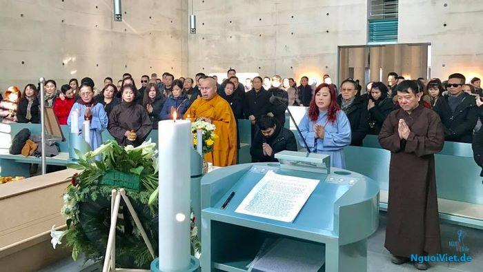 Tang lễ ông Nguyễn Viết Cầu chiều ngày 10.02.2017 tại nhà tang lễ Krematorium Baumschulenweg, Berlin.