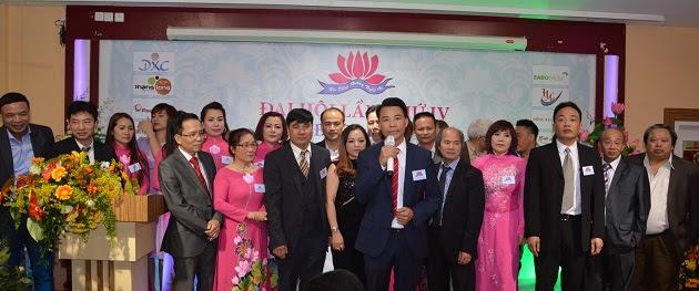 Tân Chủ tịch Hội đồng hương khóa 4, Trần Văn Dũng phát biểu cùng BCH mới