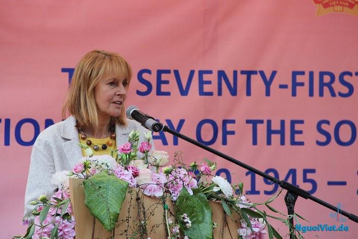 Bà Edelgard Bulmahn, Phó Chủ tịch Quốc hội Đức phát biểu tại buổi lễ. Ảnh: Mạnh Hùng