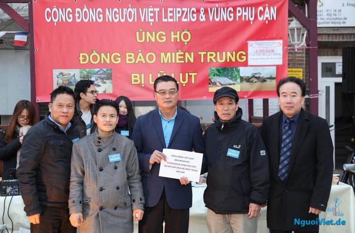 Người Việt vùng Bremerhaven & Cuxhaven ủng hộ đồng bào miền Trung 4.905 Euro