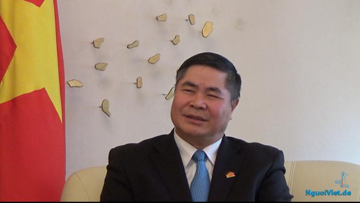 Đại sứ Đoàn Xuân Hưng. Ảnh: Lương Đình Cường