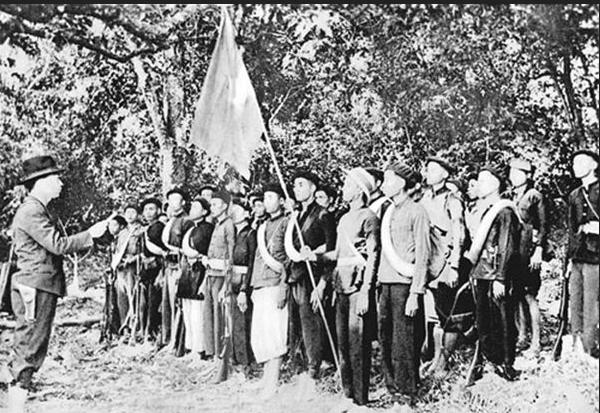 Đội Việt Nam tuyên truyền giải phóng quân (Tiền thân của QĐNDVN) thành lập ngày 22.12.1944. Nguồn: Internet