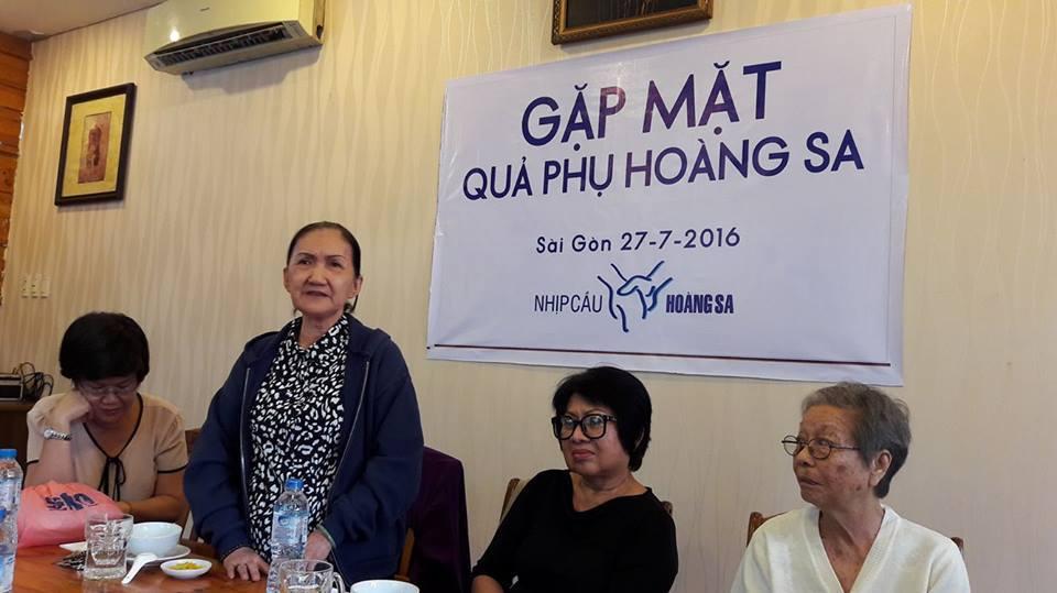 Bà Thanh phát biểu nhường bảo hiểm y tế cho những người đang khó khăn hơn bà.