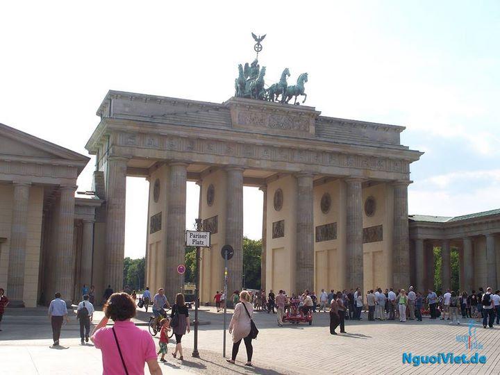 Cổng thành Brandenburger Tor tại Thủ dô Berlin.
