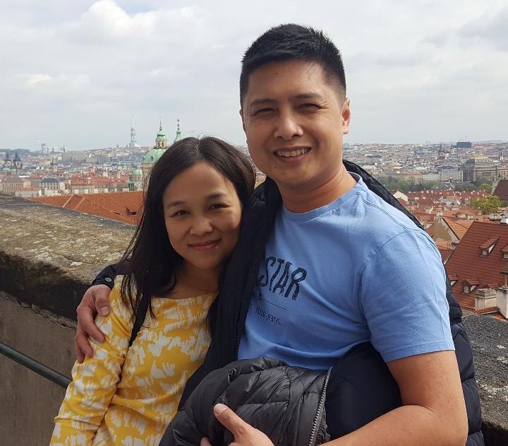 Vợ chồng ông Phan Châu Thành và bà  Hà Thị Huệ Chi. Ảnh: FB nhân vật