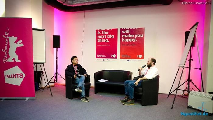 Đạo diễn Nguyễn Lê trả lời phỏng vấn tại Liên hoan phim Berlin 2018. Ảnh: TG