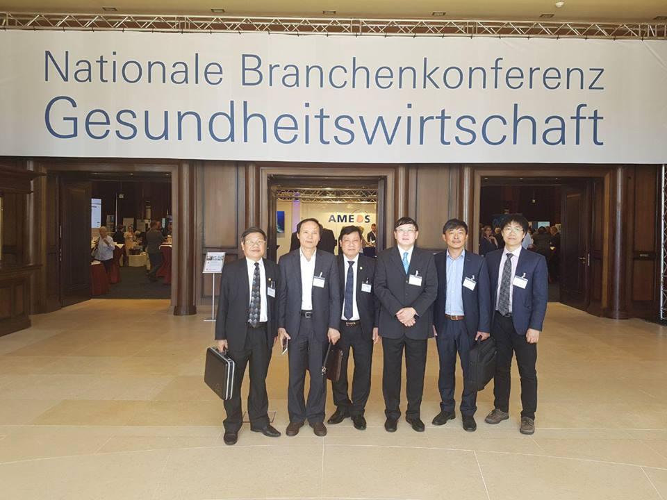 Đoàn Việt Nam dự Hội nghị kinh tế y tế tại Warnemünde, Rostock. Nguồn: Thương vụ tại Đức