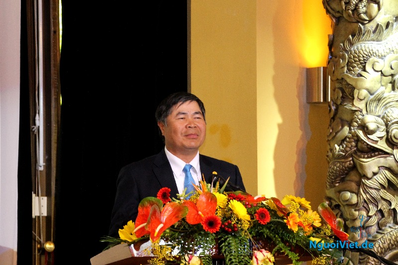 Đại sứ Đoàn Xuân Hưng phát biểu khai mạc chương trình