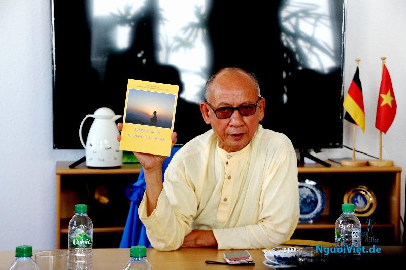 Thầy Huyền Diệu giảng về Mật Pháp trong kinh doanh Ngày 22.07.2016 tại Trụ sở Thương vụ Việt Nam ở Berlin. Ảnh: Kim Thành
