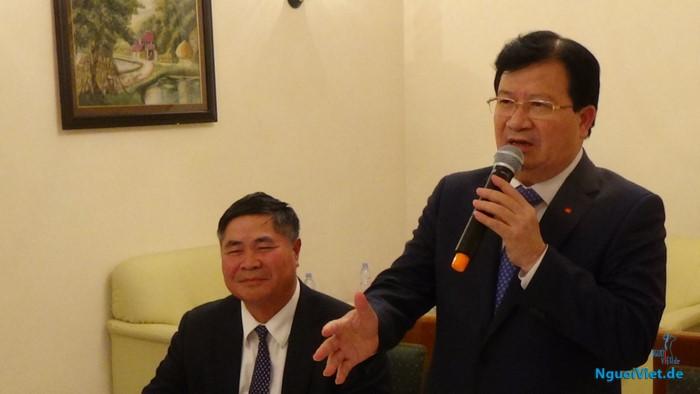 Phó Thủ tướng Trịnh Đình Dũng gặp mặt đại diện doanh nghiệp người Việt tại Đức
