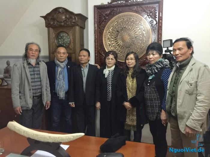 Trưởng BTC Nguyễn văn Hiền phát biểu với CLB Tình Bạn e.V