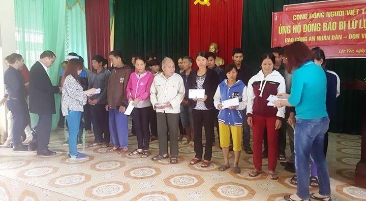Kiều bào CHLB Đức hỗ trợ người dân vùng lũ Hương Khê, Hà Tĩnh