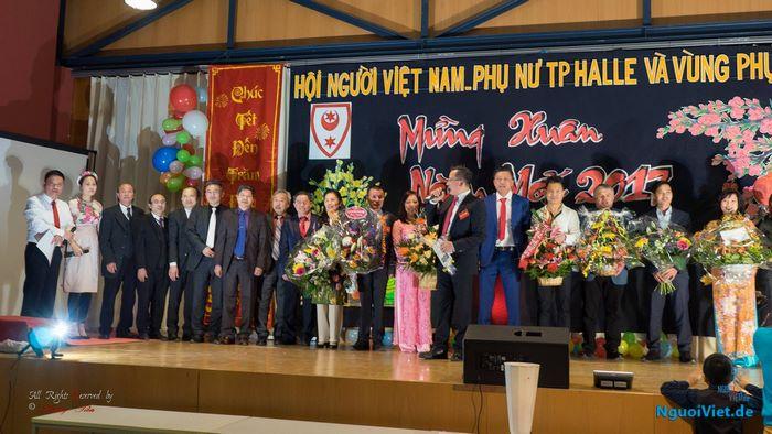 Người Việt Halle rộn rã đón Xuân sang