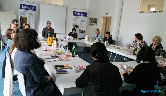 """Hội thảo """"Sống và sinh hoạt trong tuổi già"""" của người gốc Việt ở Đức"""